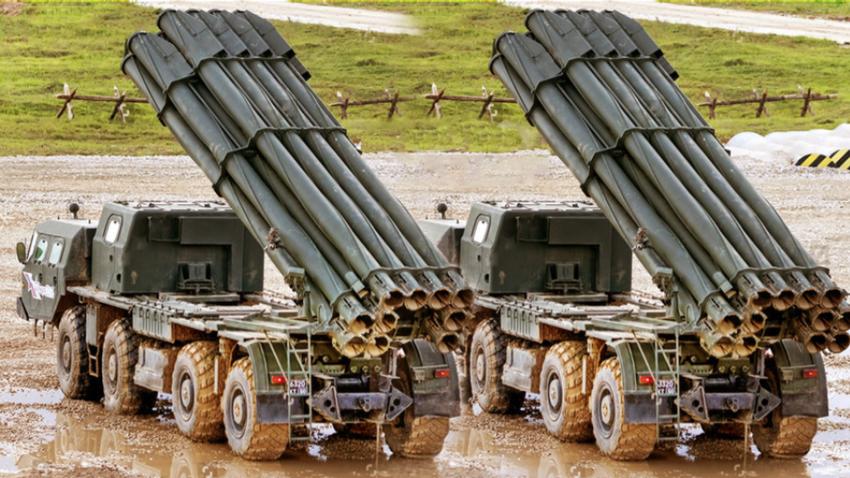 Večcevni metalci 9К58 Smerč, klibra 300 mm.