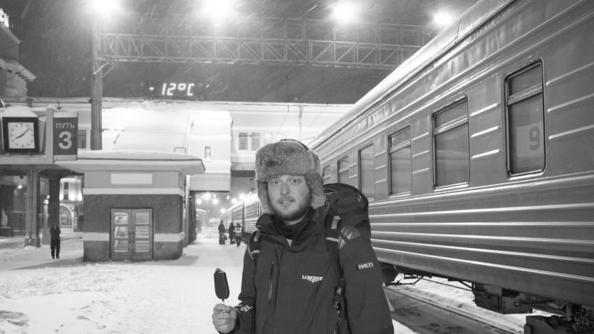 """""""Na poti vedno paše sladoled,"""" je komentiral filmski ustvarjalec Miha Mohorič ob tej fotografiji s potovanja po Rusiji."""