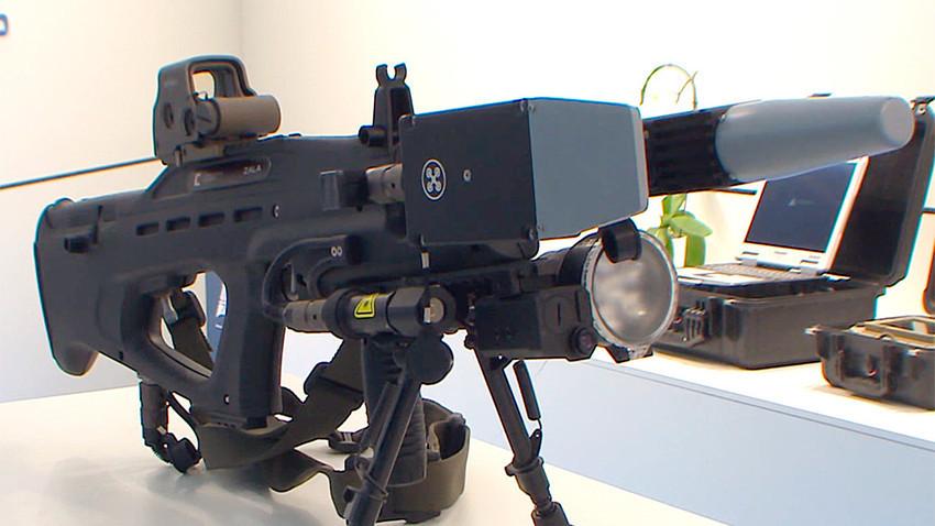 """Електромагнитно оръжие против дронове, показано за първи път на изложбата """"Армия 2017"""" в Подмосковието."""