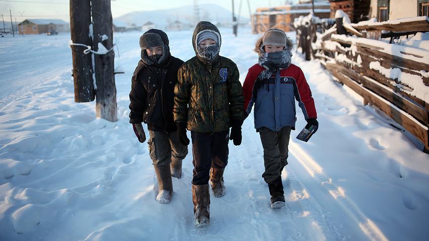 Em temperaturas abaixo de 60 graus Celsius negativos é possível congelar o rosto desprotegido em questão de segundos, até mesmo com um sopro de vento acidental.