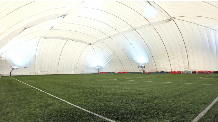 Duolov balon za treninge nogometnega kluba Lokomotiva Moskva.