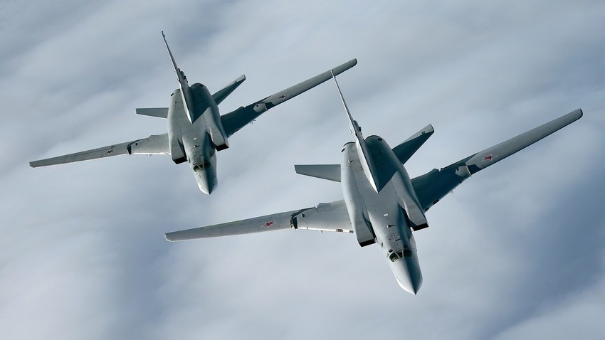 """Стратешките бомбардери Ту-22М3 се вооружени со советската надзвучна ракета Х-22 """"Бура""""."""