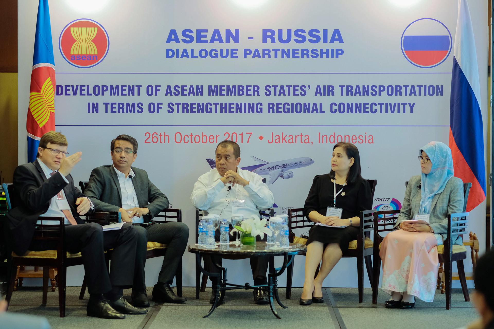 Sesi diskusi selama dialog kemitraan ASEAN-Rusia di Hotel Gran Melia, Jakarta.