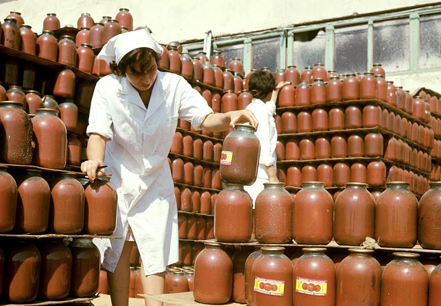 O suco de tomate ganhou popularidade na era soviética graças aos esforços de Anastas Mikoian.