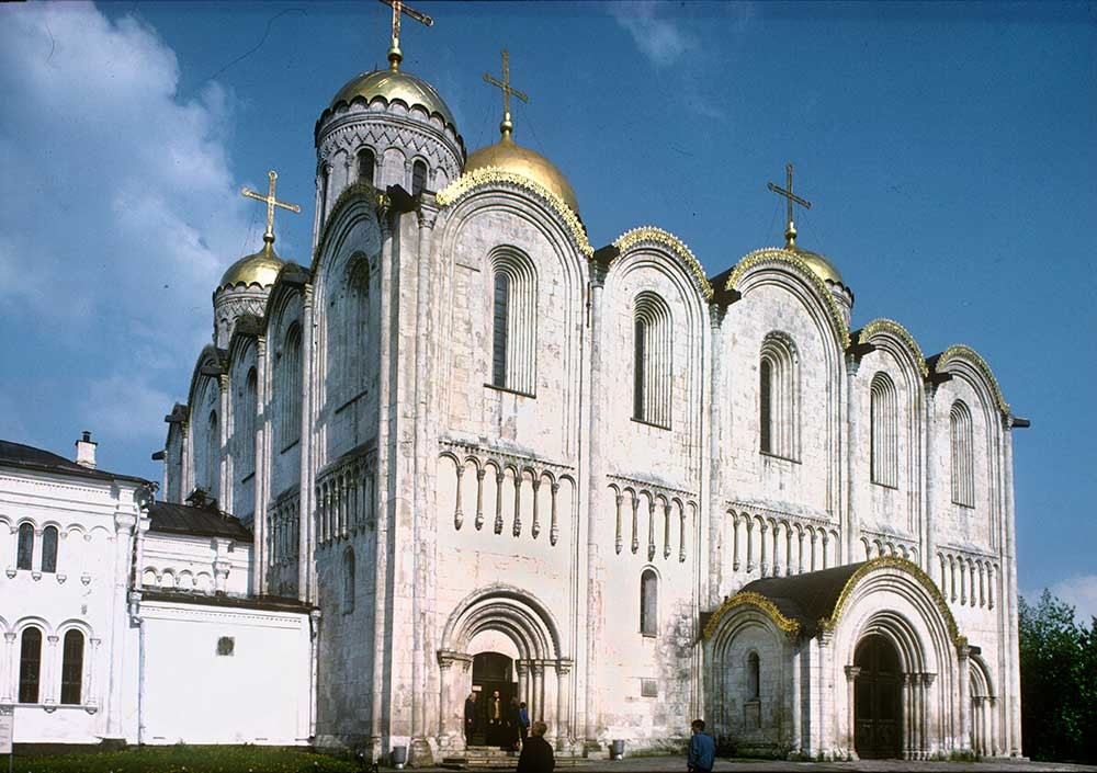 Vladimir. Cathedral of the Dormition of the Mother of God. Northwest view. May 16, 1995.