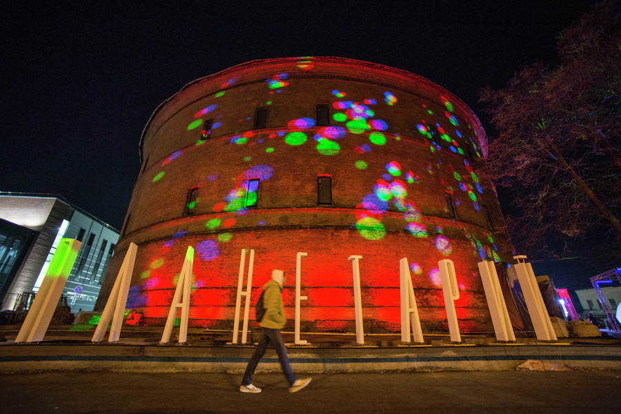 Planetarium is located on the territory of a former gas storage facility on Obvodny Canal embankment