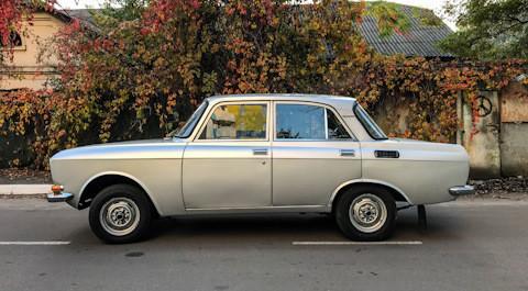 """Металикот најмногу одеше во странство - во земјите кои увезуваа """"Москвич"""". Само помал број вакви автомобили доспеа на внатрешниот пазар на Советскиот Сојуз."""