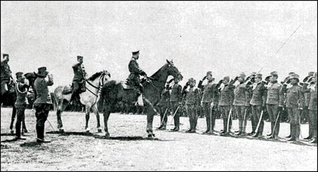 Цар Николај на смотри српских добровољаца у Одеси