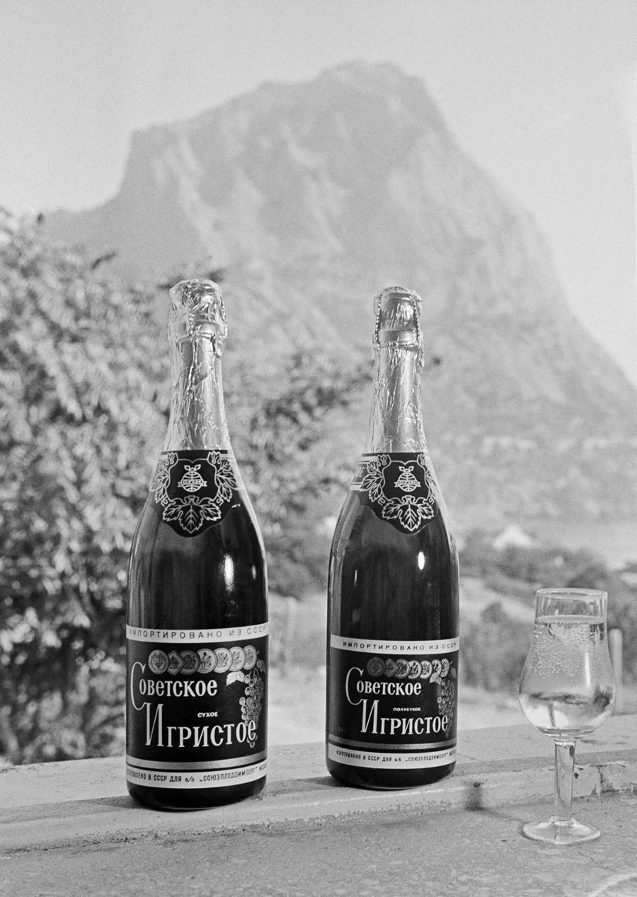 Bottiglie di vino, Novyj Svet