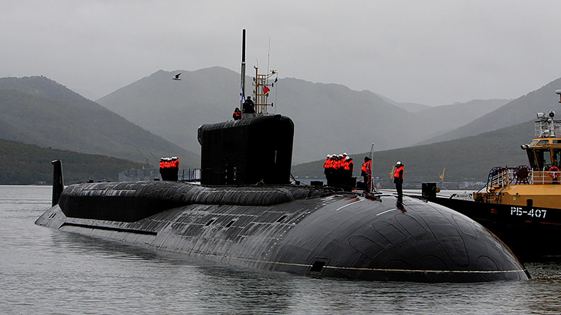 Project 955 is a new page in the development of nuclear submarines fleet of Russia. They produce five times less noise than previous era ships of project 971 and 949A.
