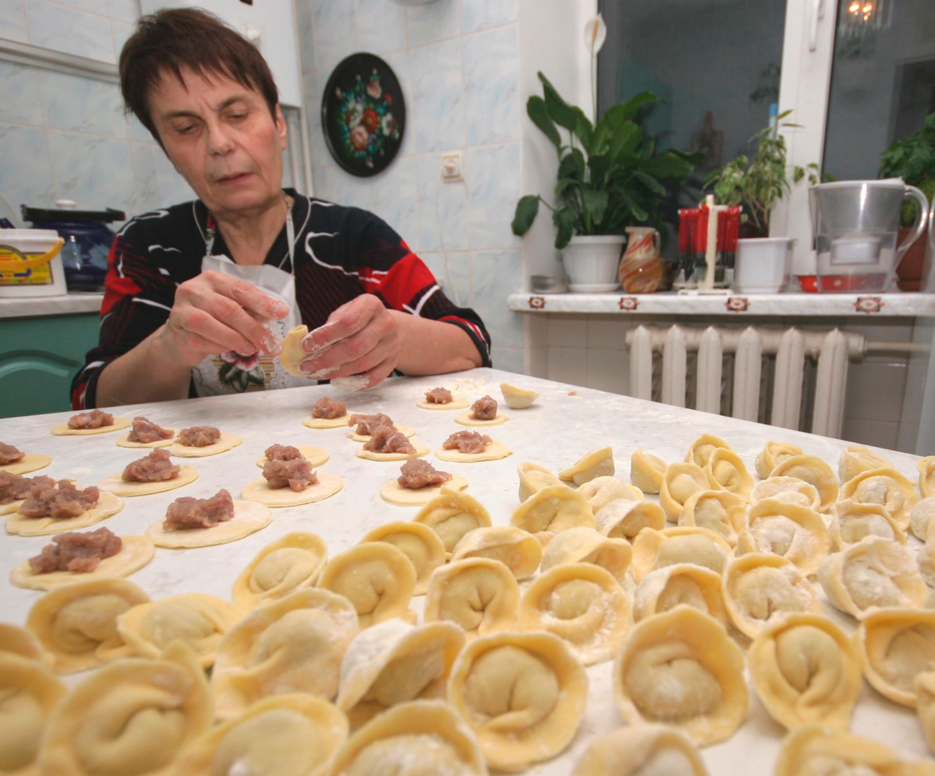 ロシア料理とは時間のかかるもので、忙しい現代人にはあまり向いていない。