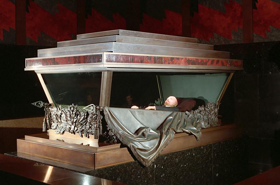 Il sarcofago dove riposa la salma di Lenin