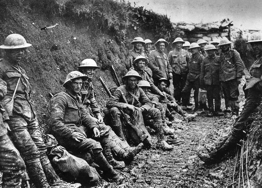 Royal Irish Rifles at the Battle of the Somme,1916.