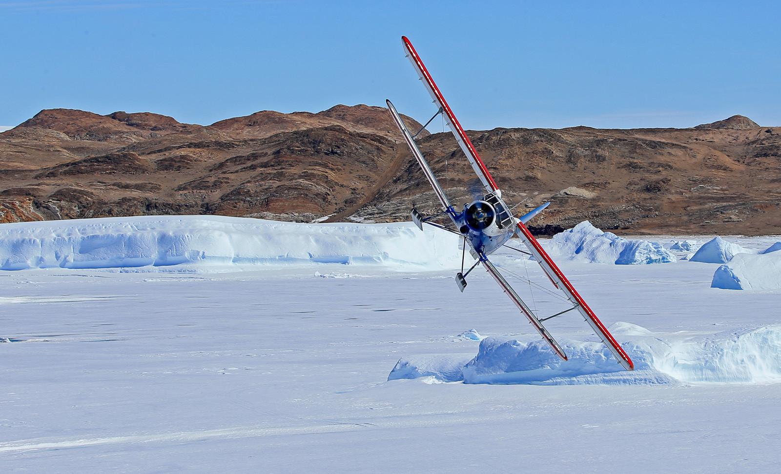 ソ連製量産単発複葉機An-2、プログレス南極観測基地にて
