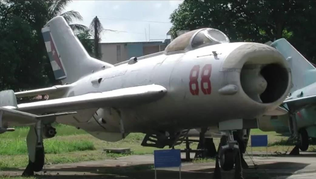 MiG-19.