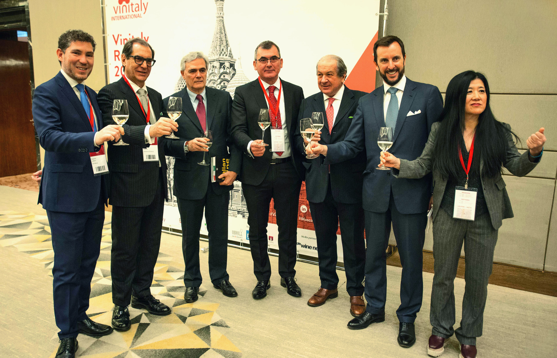 A destra, Stevie Kim, managing director di Vinitaly International