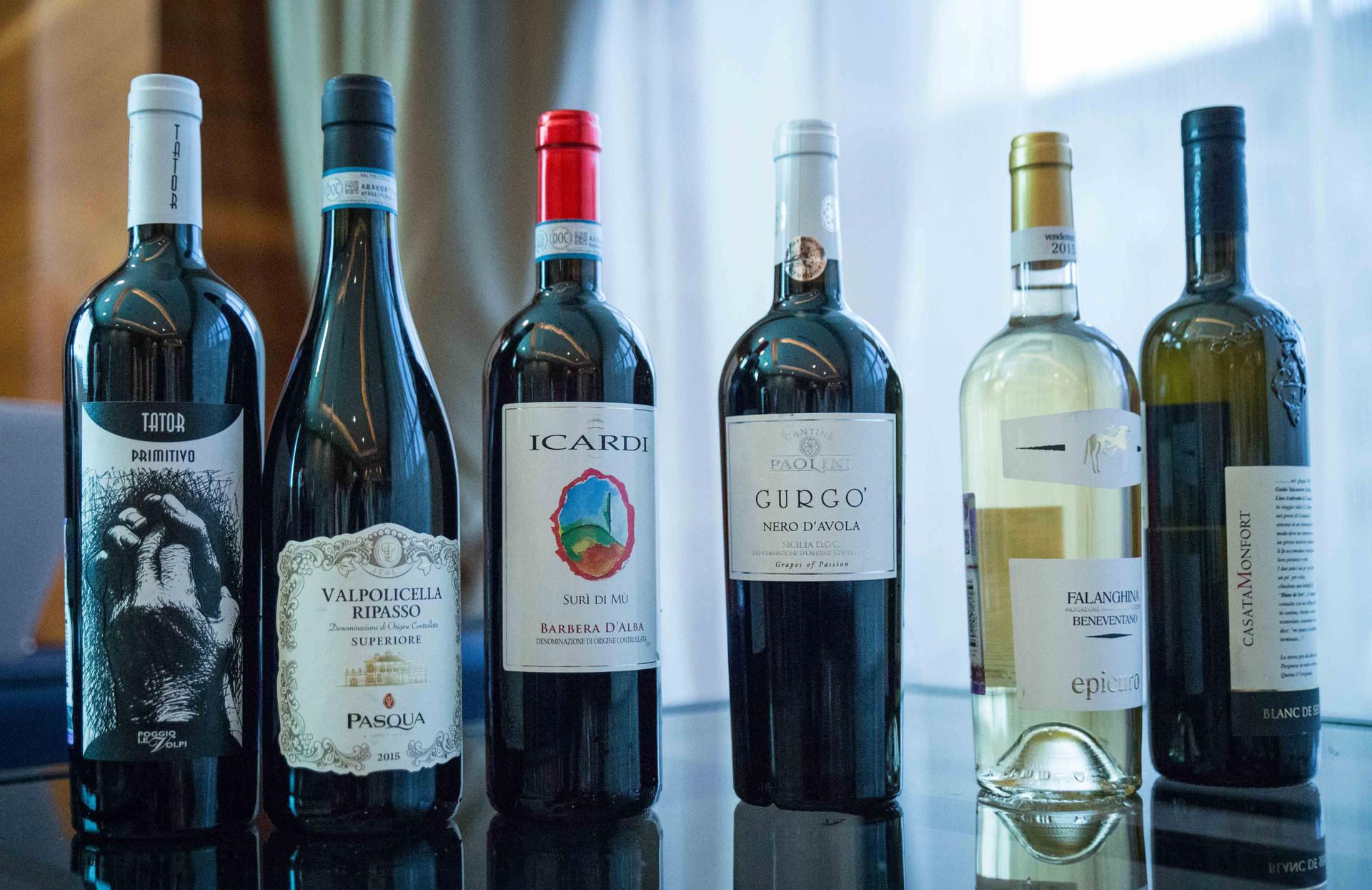 Bottiglie in mostra