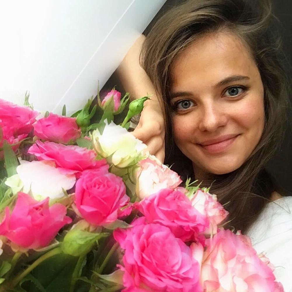 Sebelum mengambil posisi ini, Markovskaya bekerja sebagai seorang koresponden televisi.