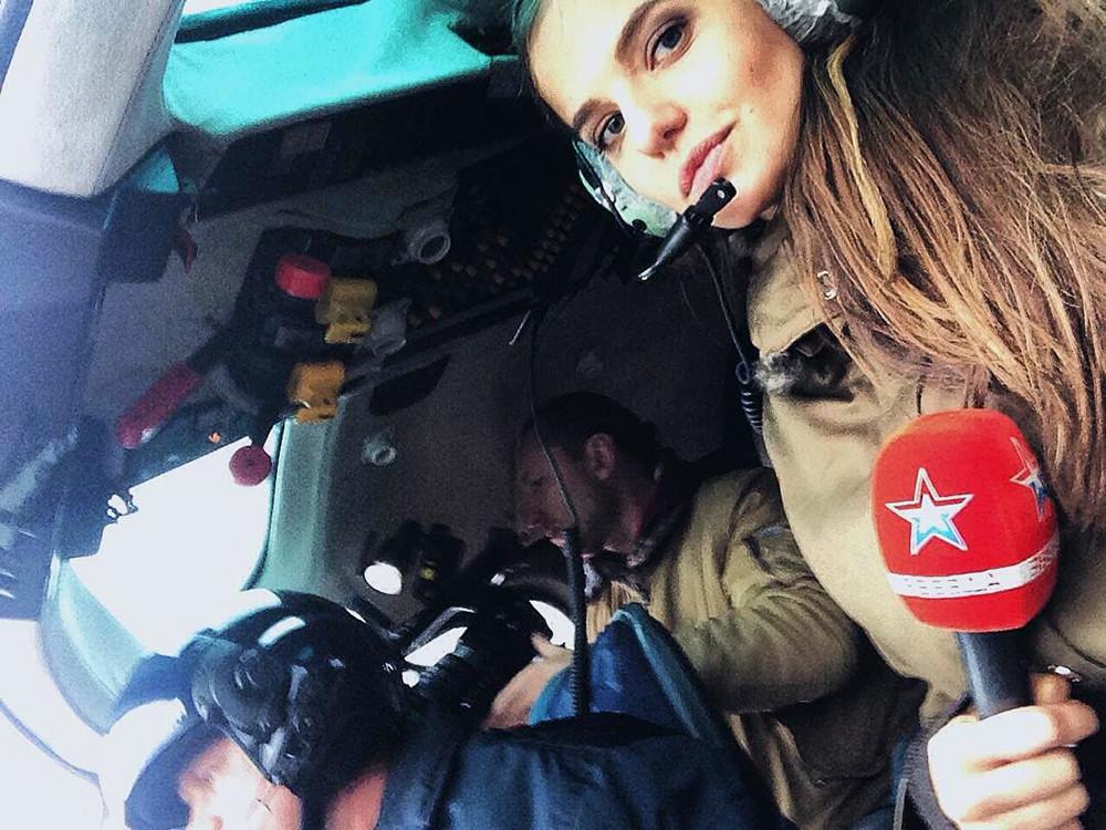 Markovskaya pernah bekerja sebagai seorang koresponden di Zvezda, sebuah stasiun televisi milik Kementerian Pertahanan Rusia.