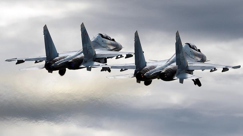 Ruski večnamenski lovec Su-30SM