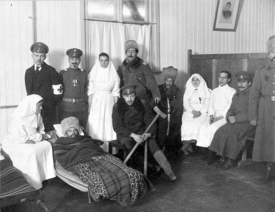 Verletzte Soldaten und Krankenhausarbeiter