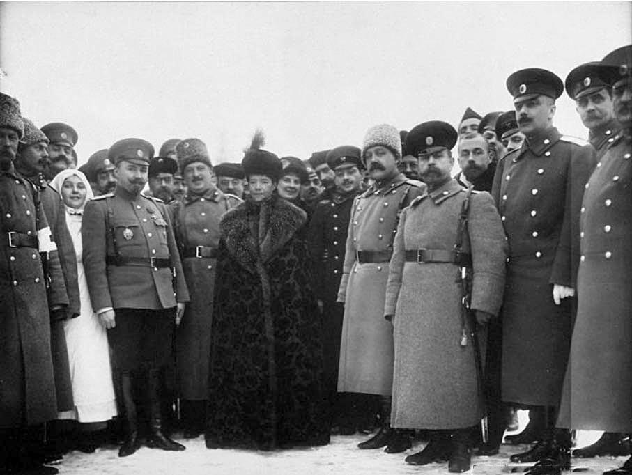 Maria Fjodorowna, Soldaten und Krankenhausarbeiter