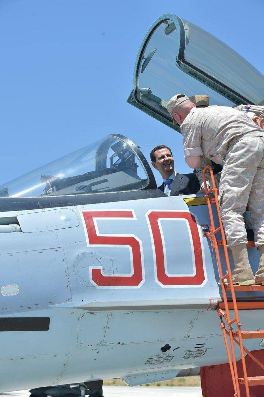 Sirijski predsjednik Bašar Asad na zrakoplovnoj bazi Hmejmim