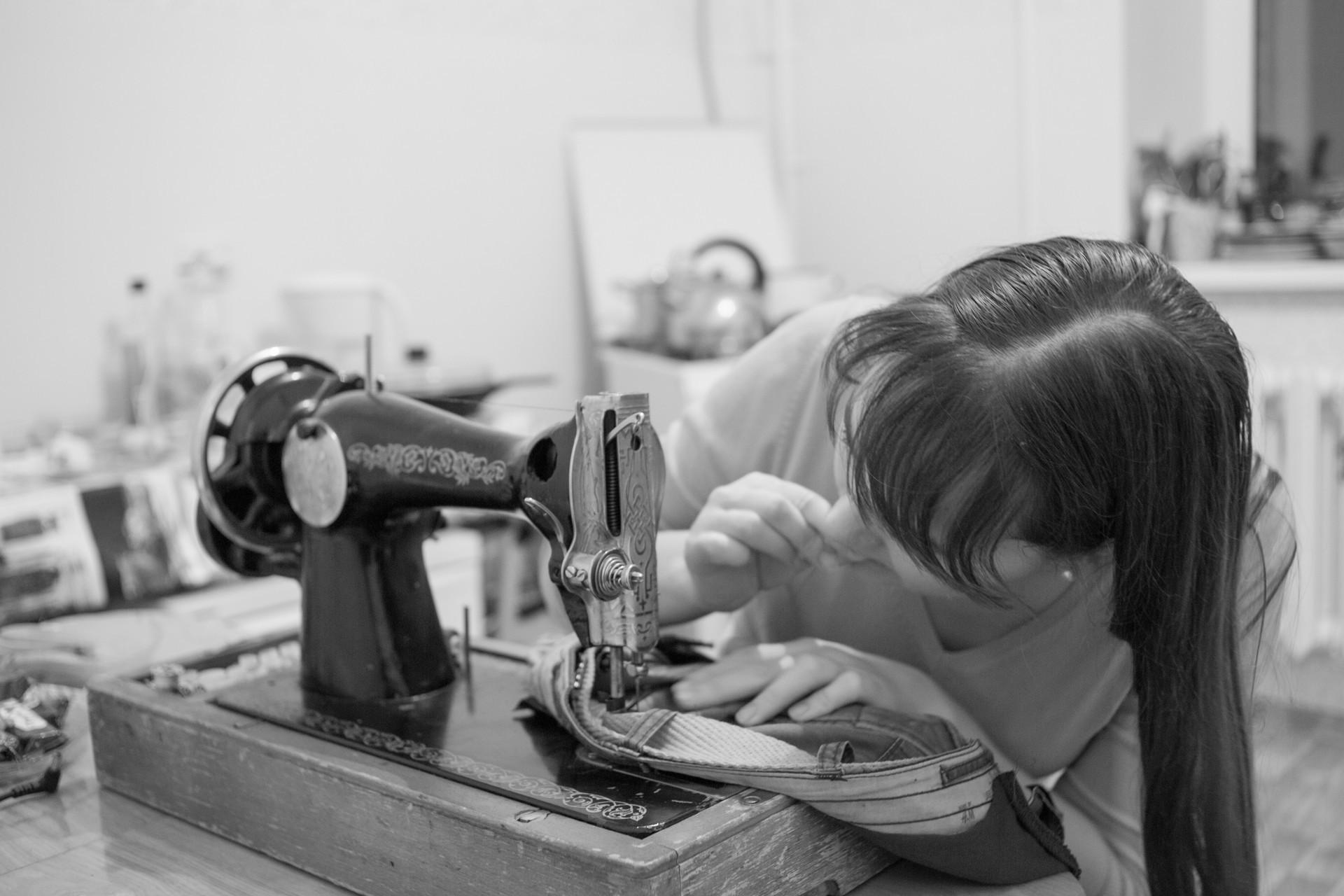 Marija iz grada Orjel nekada je radila kao krupje u casinu. Danas dizajnira kuhinje.