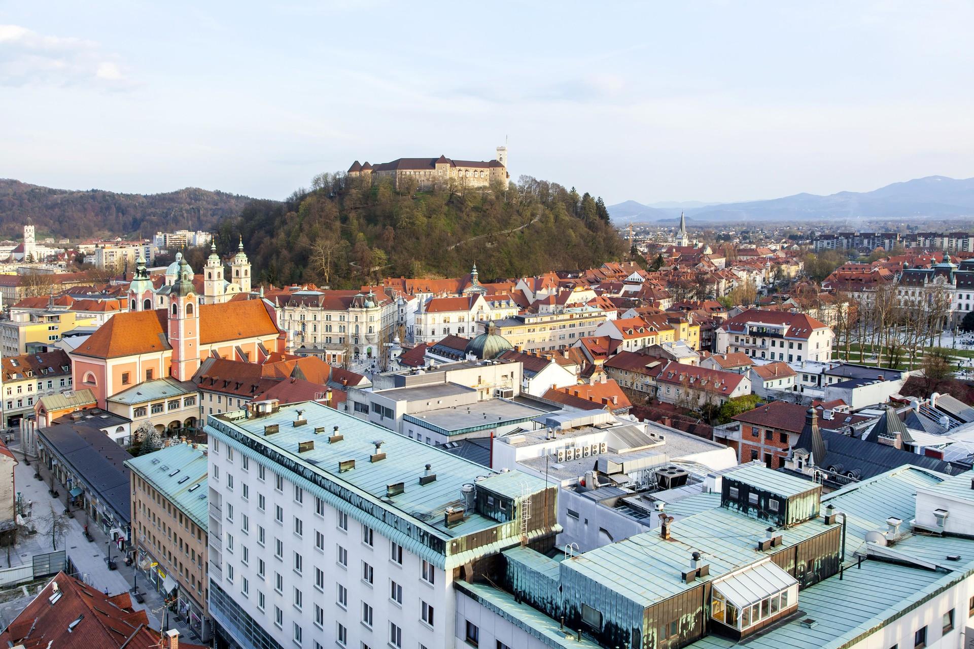 Ljubljana ustvari dober vtis že s svojim imenom, razmišlja pesnica.