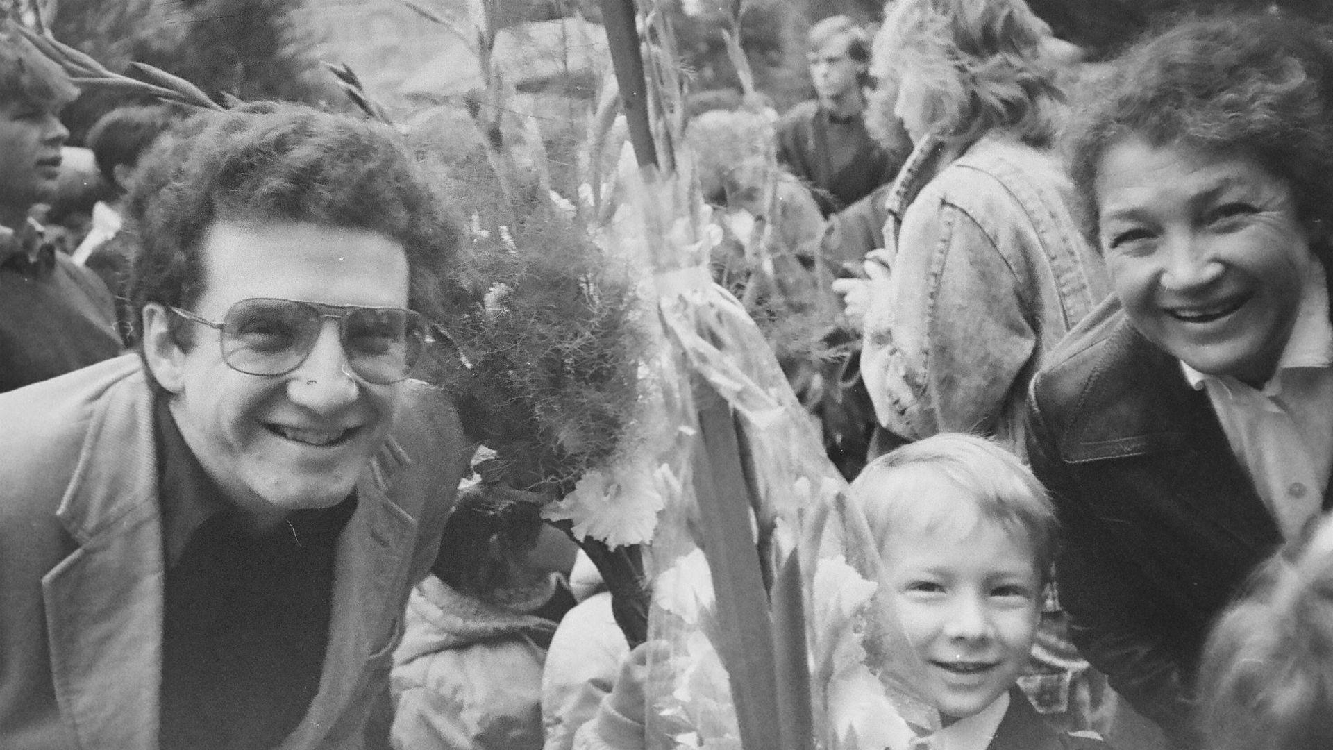 Dmitri Kretov avec son père et sa grand-mère