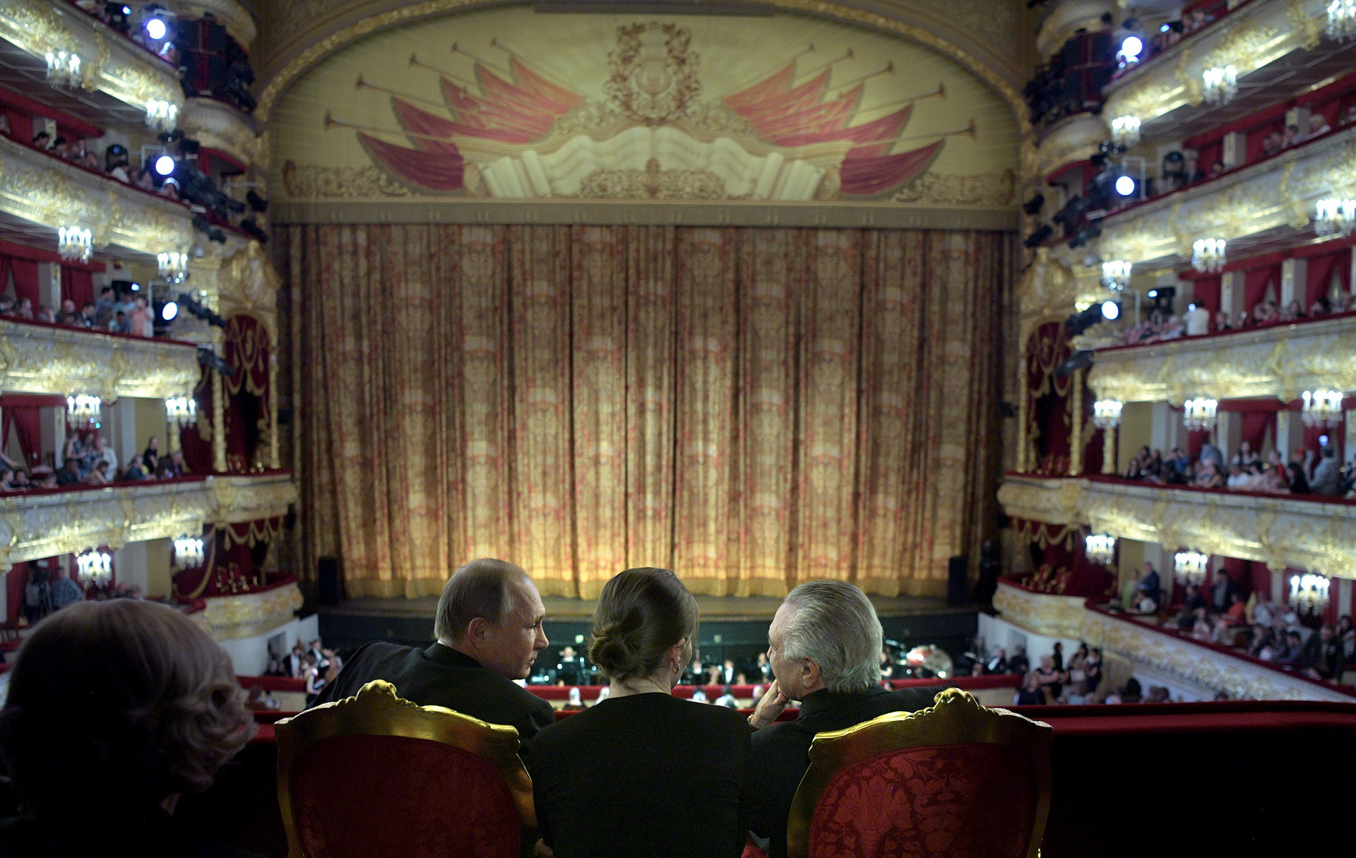 Putin u Boljšom teatru.