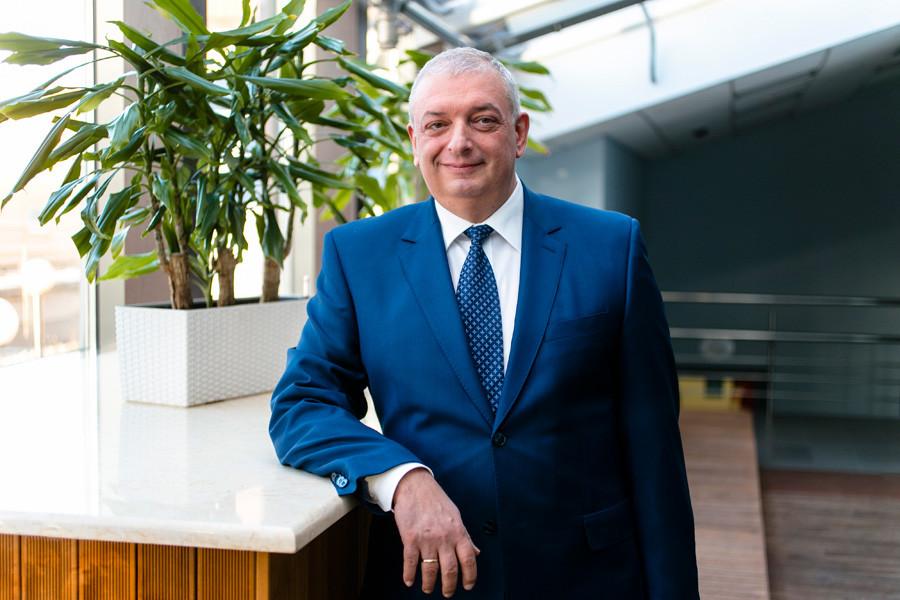 """Petr Jawerbaum, Direktor für Zusammenarbeit mit den Versicherungsgesellschaften und den Vertrieb in der """"Medicina""""-Klinik"""