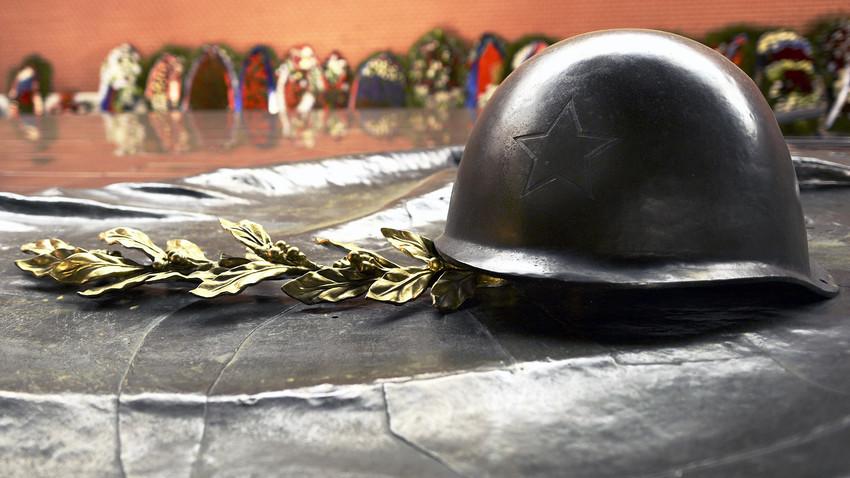 Пред Паметника на Незнайния воин