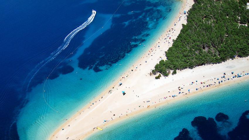Plaža Zlatni rat, na otoku Braču