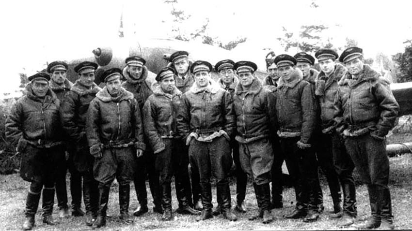 Француски пилоти су формирали врло убојиту војну јединицу која је оборила најмање 273 немачка ловца.