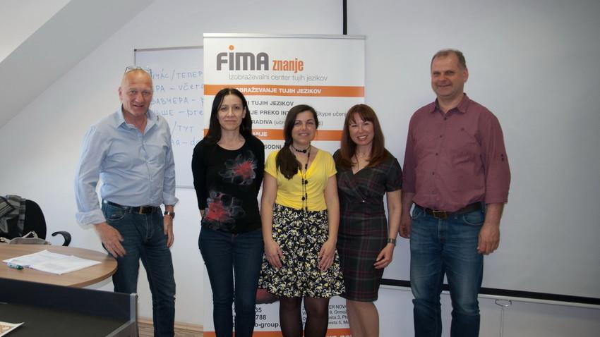 Olga Varlamova in njeni tečajniki v jezikovnem centru FIMA znanje na Ptuju