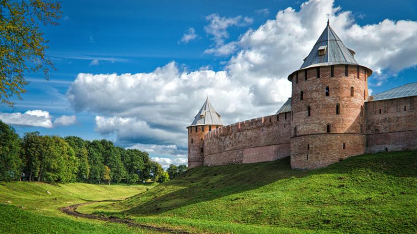 Kremelj (Detinec) v Velikem Novgorodu.