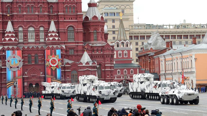 """""""Тор"""" за Арктика на Парада по случай Деня на Победата в Москва през 2017 г."""