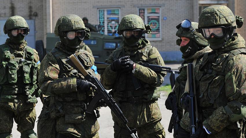 Pripadniki ruskih sil za posebne namene (SSO) na protiterorističnih vajah v Rostovski regiji