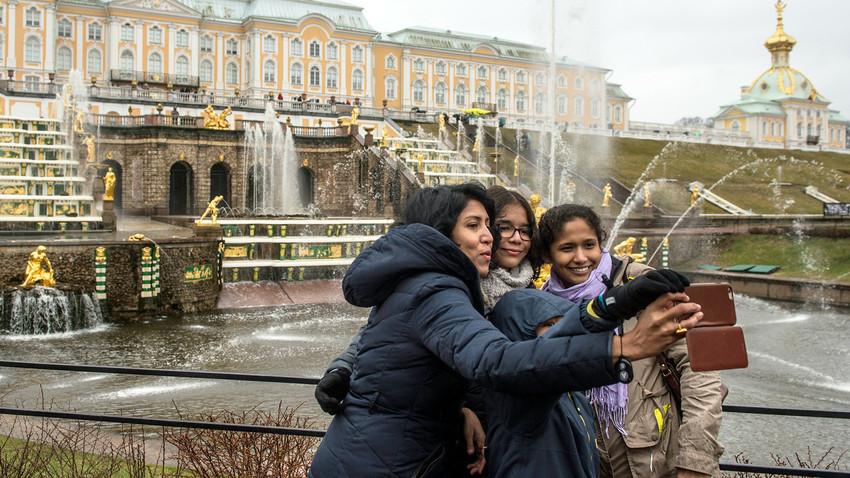 Peterhof é uma pequena cidade a 47 km de São Petersburgo.
