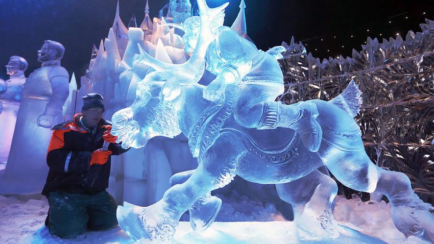 País tem inúmeros festivais de esculturas de neve e gelo.