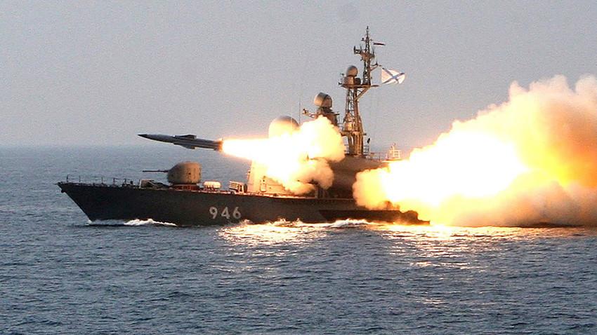"Противбродска ракета ""Москит""."