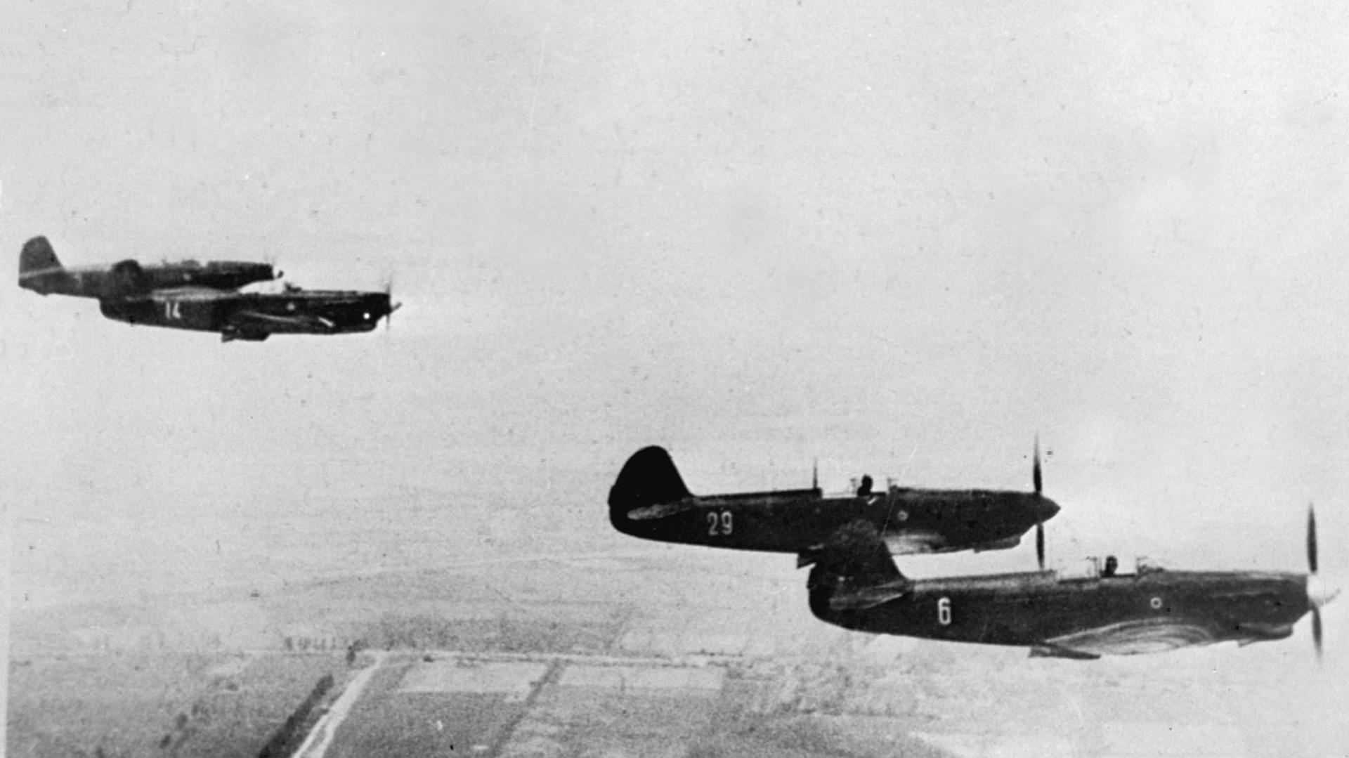 Aviones  del regimiento Normandie-Niemen.