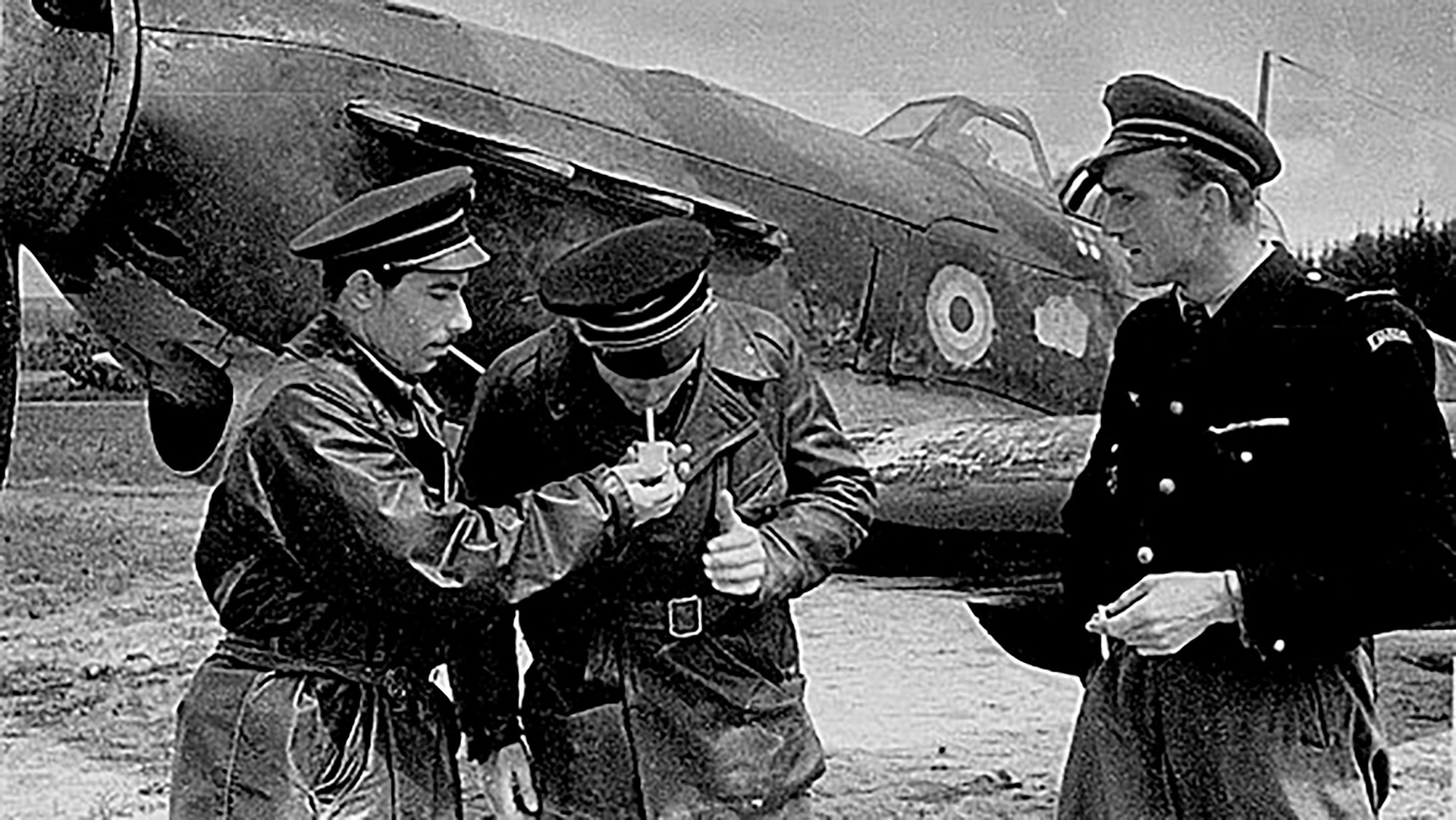 Pilotos franceses del regimiento Normandie-Niemen.