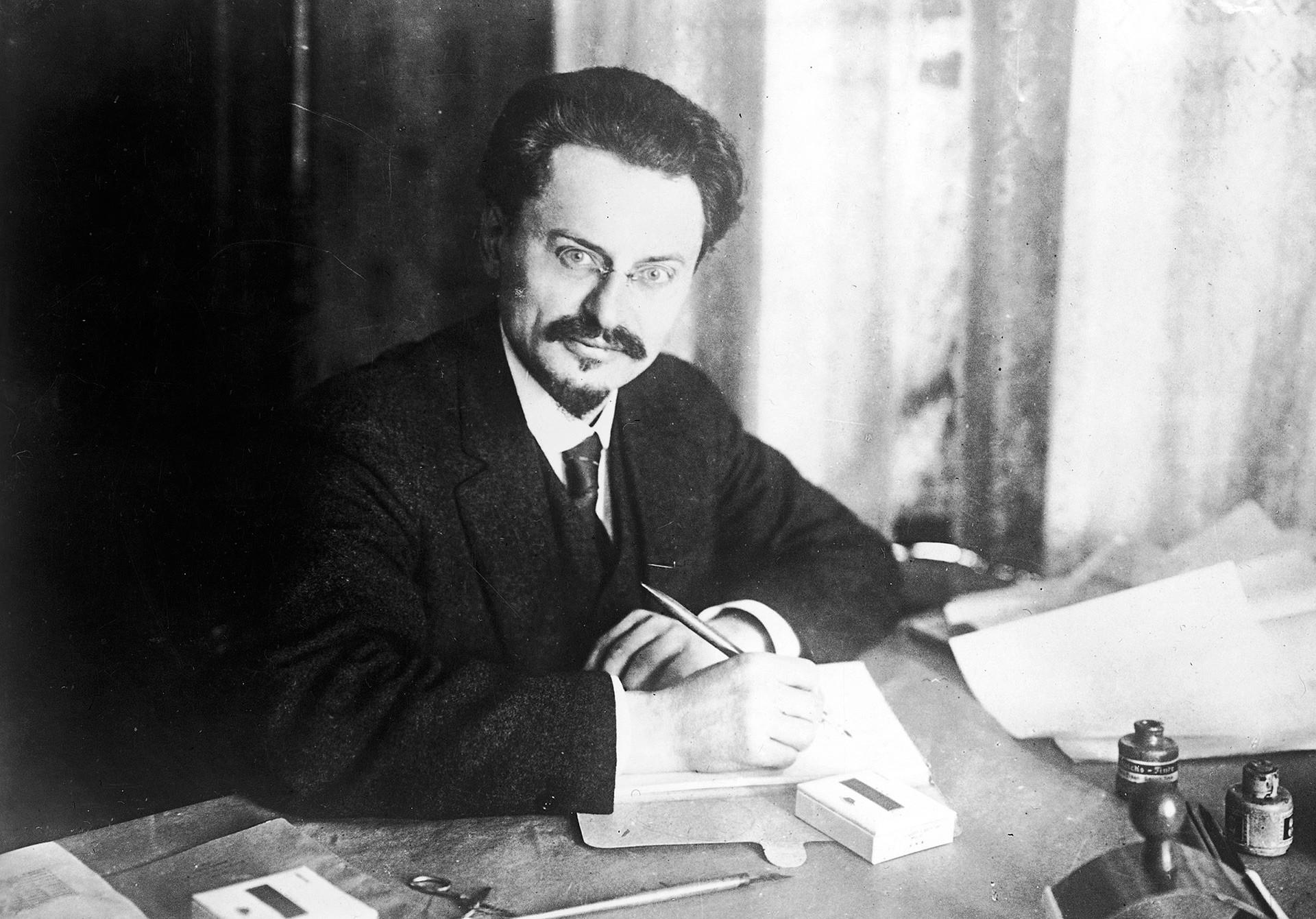 Лав Троцки.