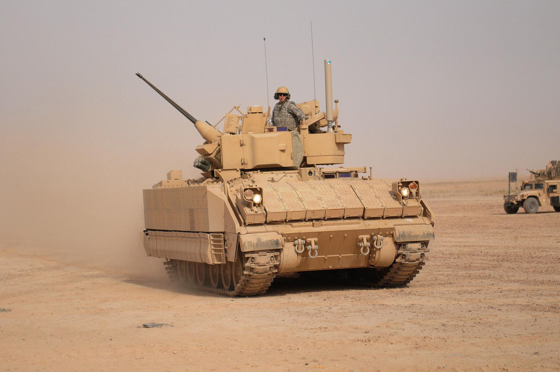 M2A3 Bradley z dinamično oklepno zaščito