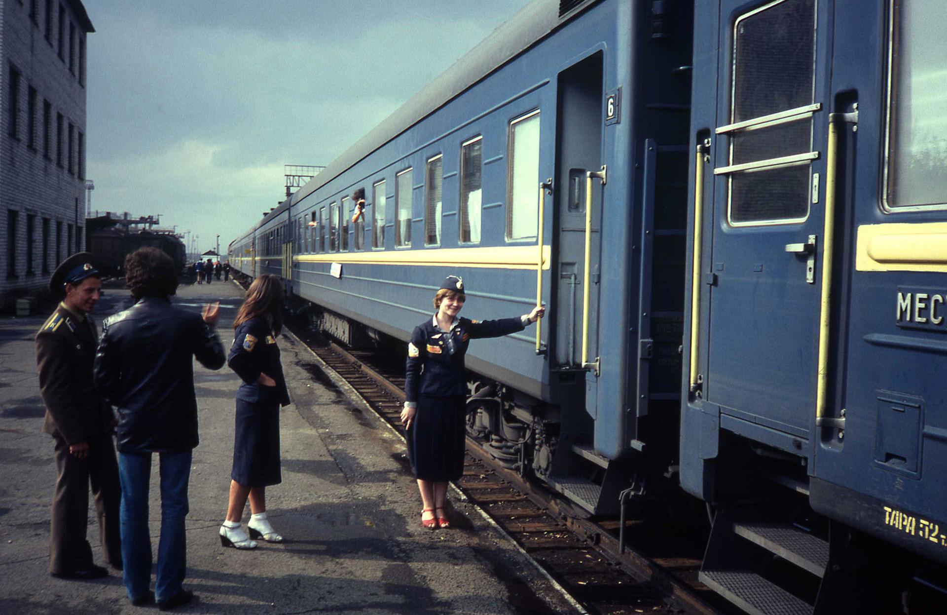 Treno in partenza, foto scattata nel 1982