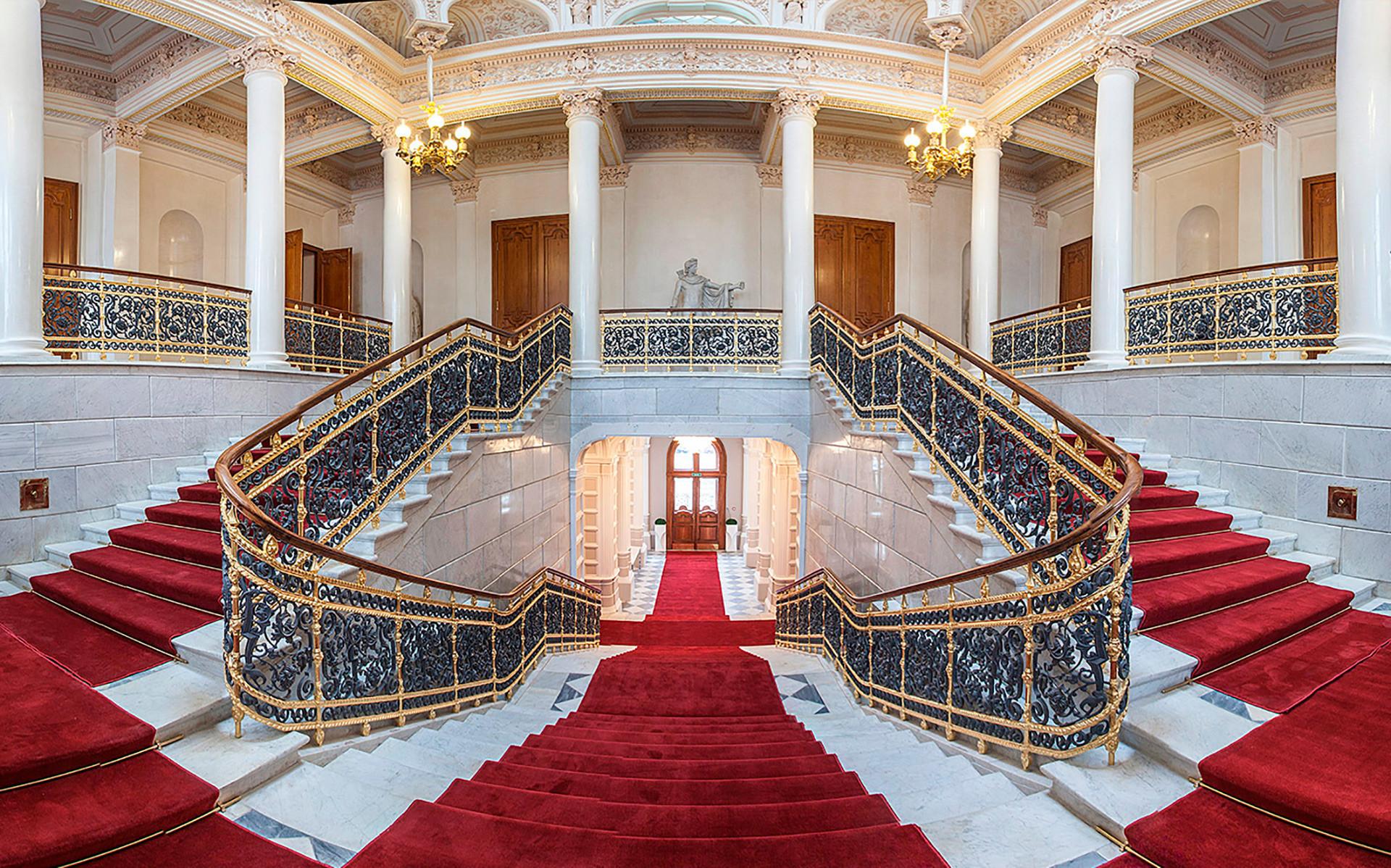 Museu Fabergé pertence ao bilionário Víktor Vékselberg.
