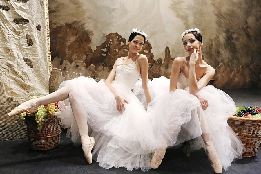 Russian ballet dansers, graceful and excellent in their art, are famous all around the world.