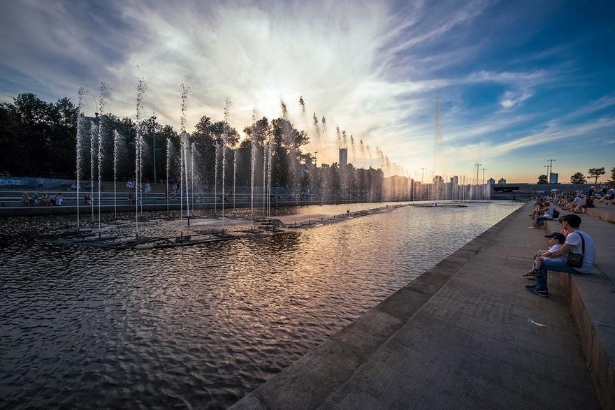 Fontane na reki Iset v središču Jekaterinburga